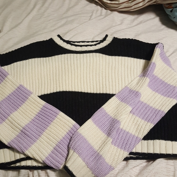 American Eagle cropped chunky knit sweater
